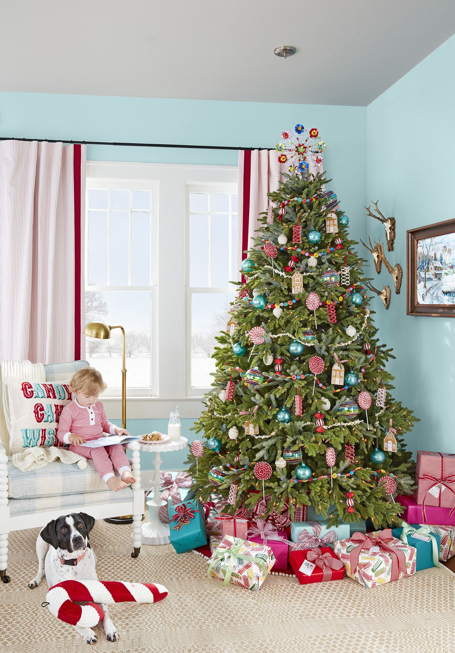 76 best christmas tree decorating ideas how to decorate a rh countryliving com