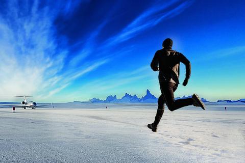 white desert antarctica race the jet marathon
