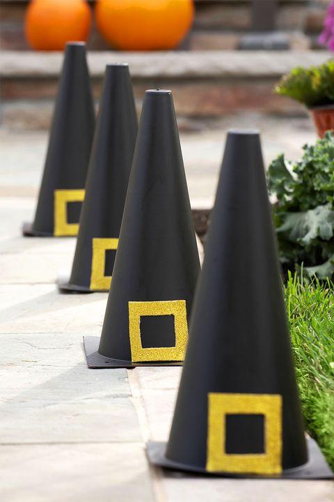 halloween diy decor ideas witch hat cones
