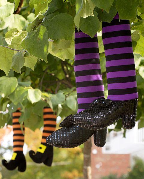 halloween diy decor ideas witch feet