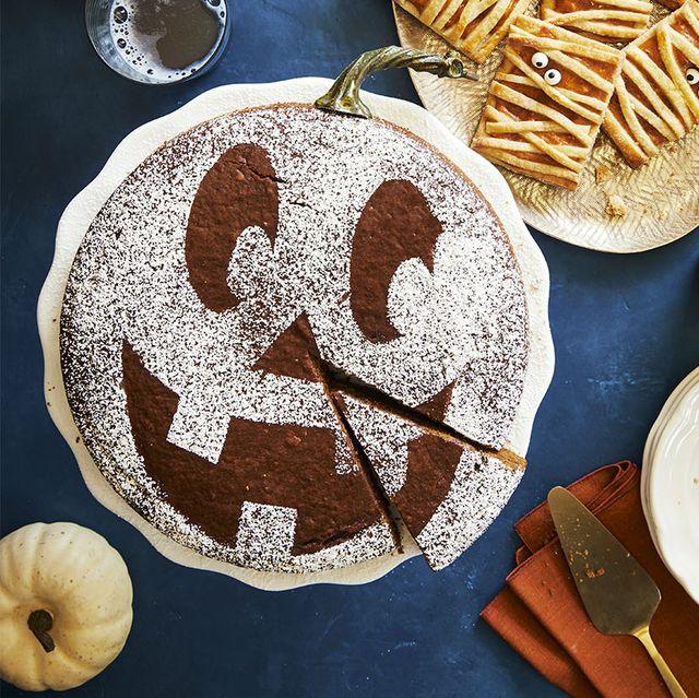 spiced pumpkin molasses cake