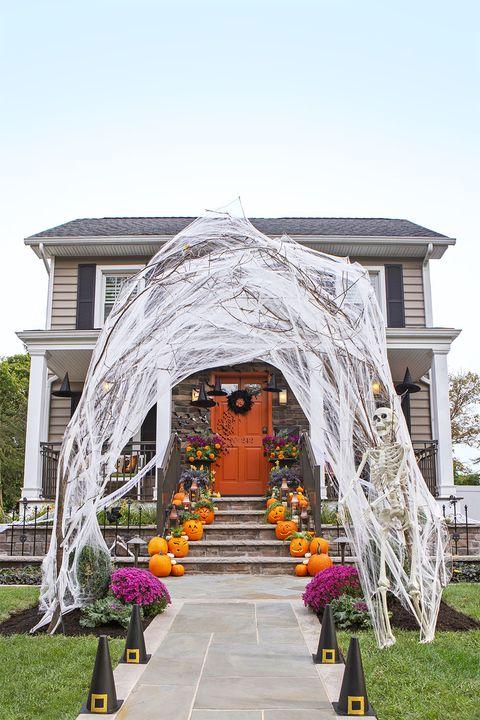 halloween diy decor ideas cobweb archway