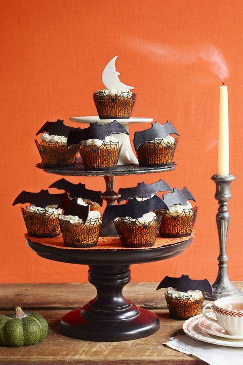 bats cupcake tower
