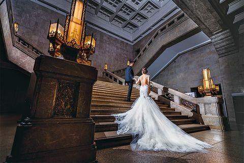 右近倫太郎さん撮影による「東京国立博物館」の本館の大階段でのフォト