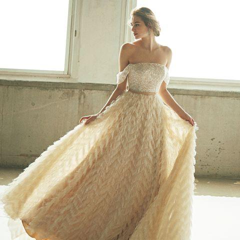 ドレスモアのビジュー付きフェザードレス