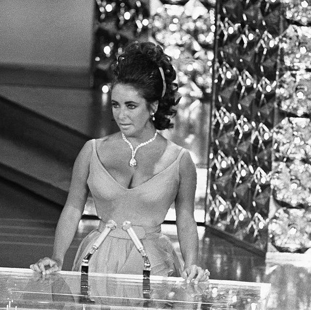 taylor burton diamond necklace elizabeth taylor