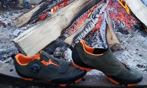review, fi'zi:k, terra x5 suede, mtb-schoenen