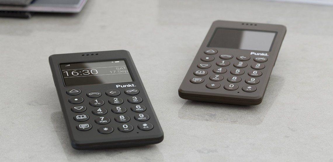 Torna il cellulare che non è uno smartphone (ma ha il 4G)