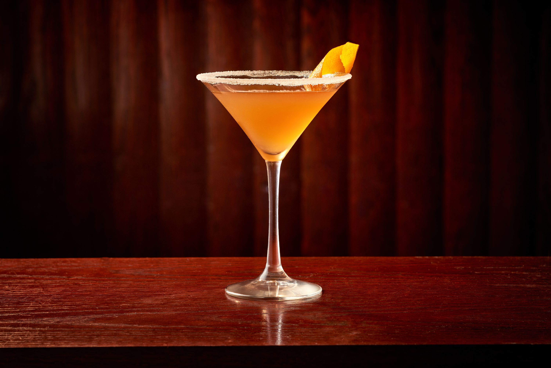 7 Delicious Amaretto Cocktails to Make This Season