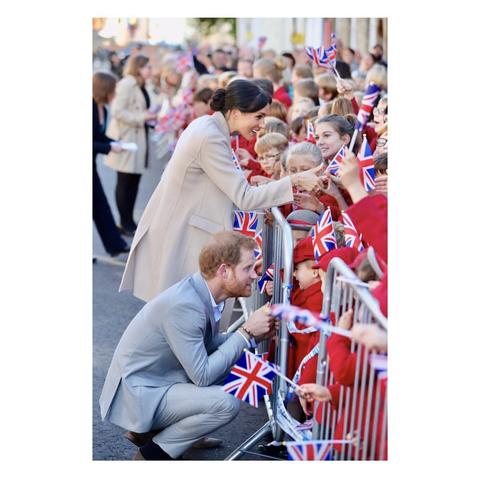 哈利王子和梅根王妃終於開設官方IG啦!第一張照片太稀有,12小時獲讚70萬!