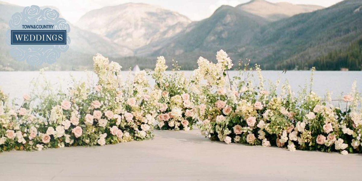 15 Amazing Wedding Altar Ideas And Ceremony Backdrops Wedding Ceremony Flowers