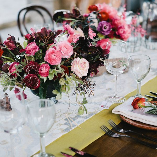 20 best wedding flower centerpiece ideas rustic and modern table 20 best wedding flower centerpiece ideas rustic and modern table centerpieces junglespirit Gallery