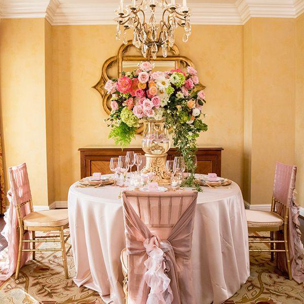 20 best wedding flower centerpiece ideas rustic and modern table 20 best wedding flower centerpiece ideas rustic and modern table centerpieces junglespirit Choice Image