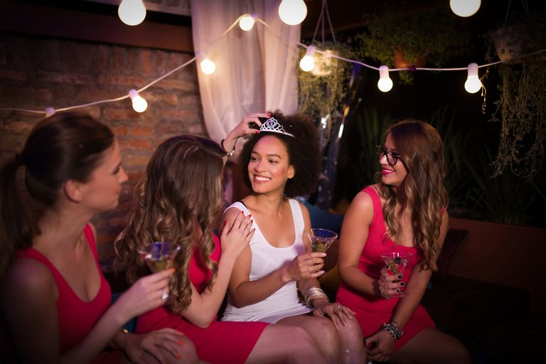 Gifts For Wedding Party Etiquette: Etiquette Rules For Wedding Gift
