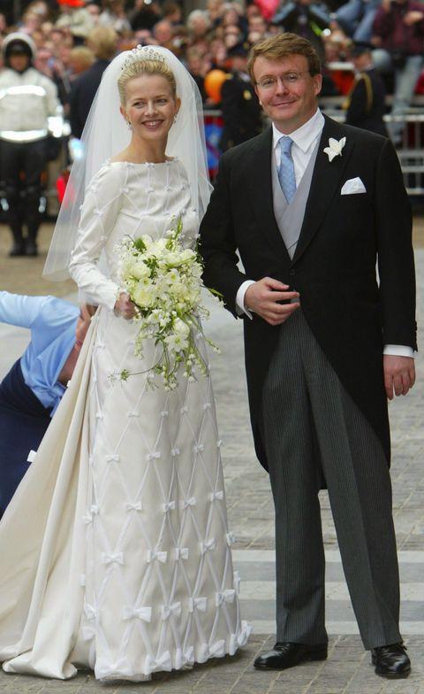 prins friso en prinses mabel op hun trouwdag mabel draagt een ontwerp van viktor  rolf