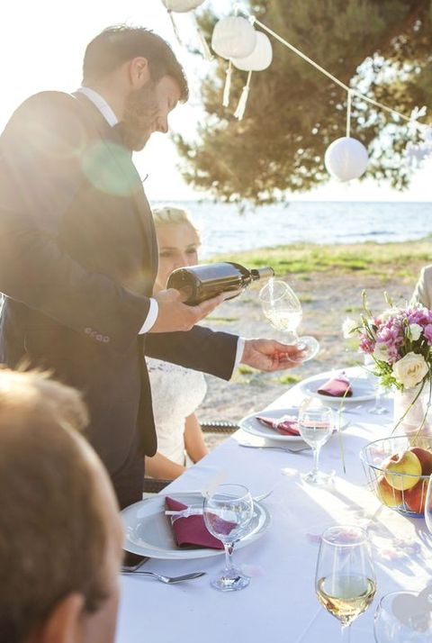 Wedding party on the beach - Bad Wedding Etiquette