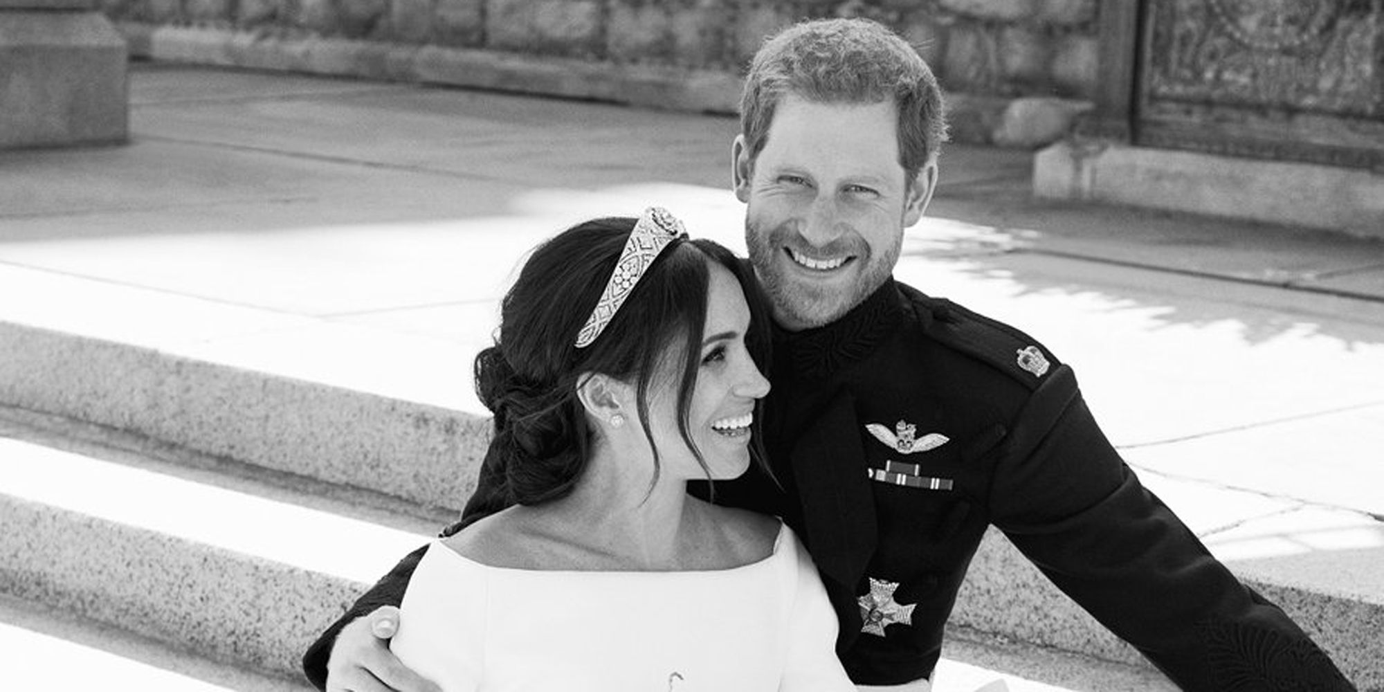 prince harry and meghan markle s official royal wedding portraits released alexi lubomirski portraits prince harry and meghan markle s