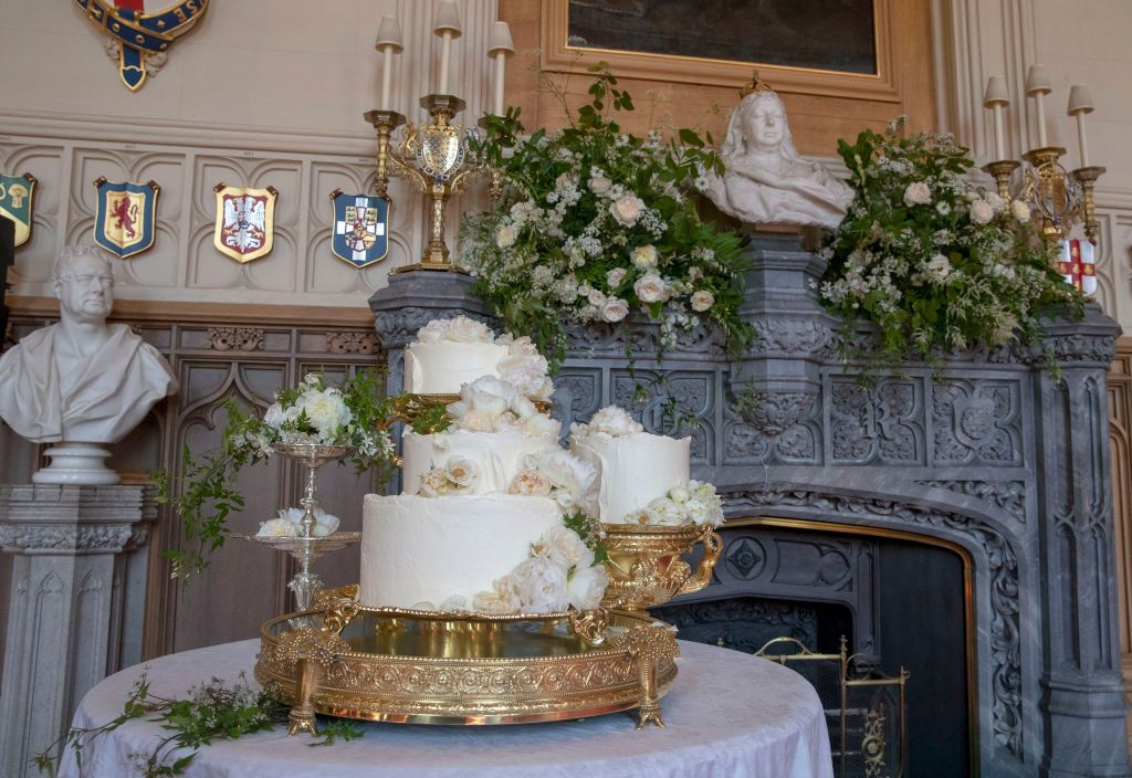 The lemon elderflower wedding cake.