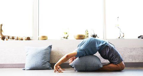 Floor, Sitting, Furniture, Leg, Flooring, Room, Jeans, Shoulder, Joint, Photography,