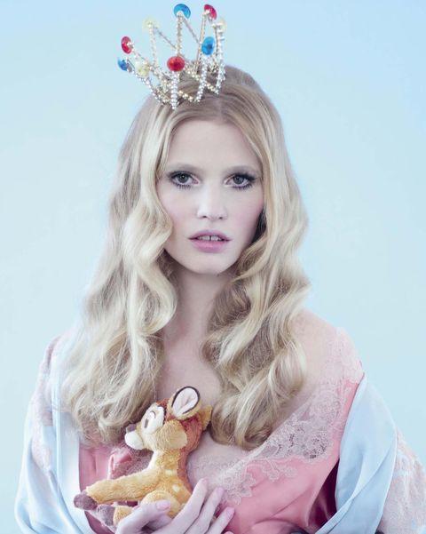 Hair, Crown, Hairstyle, Headpiece, Beauty, Hair accessory, Blond, Pink, Long hair, Headgear,