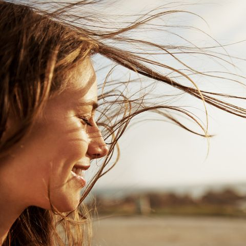 Hair, People in nature, Face, Blond, Hairstyle, Beauty, Skin, Nose, Surfer hair, Chin,