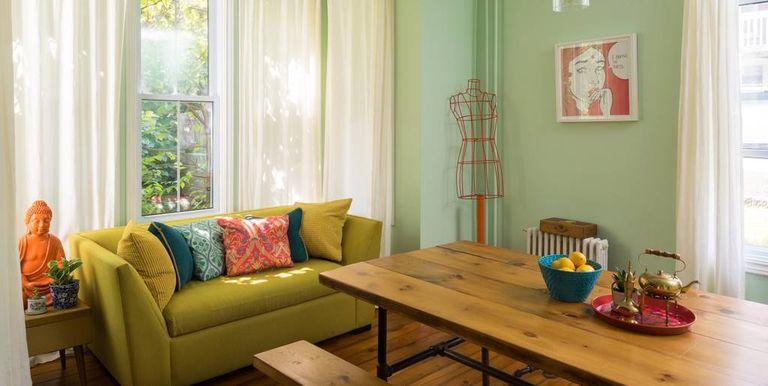 Wes anderson airbnb in ontario wes anderson movies for Sala de estar antigua