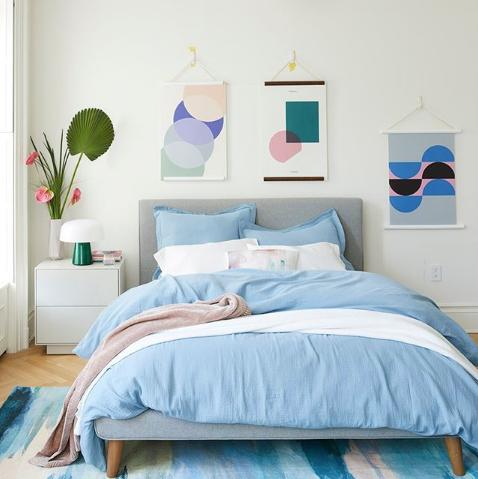Bedroom, Bed, Furniture, Room, Bed sheet, Blue, Bedding, Bed frame, Wall, Turquoise,