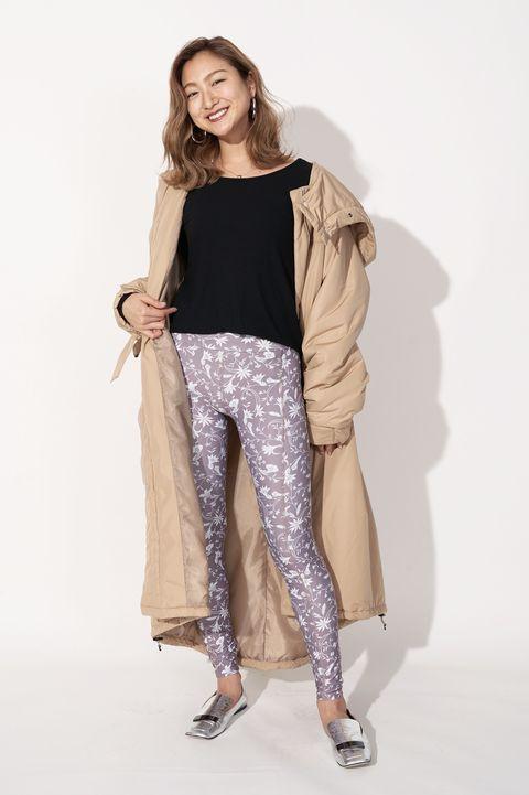 Fashion model, Clothing, White, Shoulder, Fashion, Beige, Leg, Waist, Leggings, Khaki,