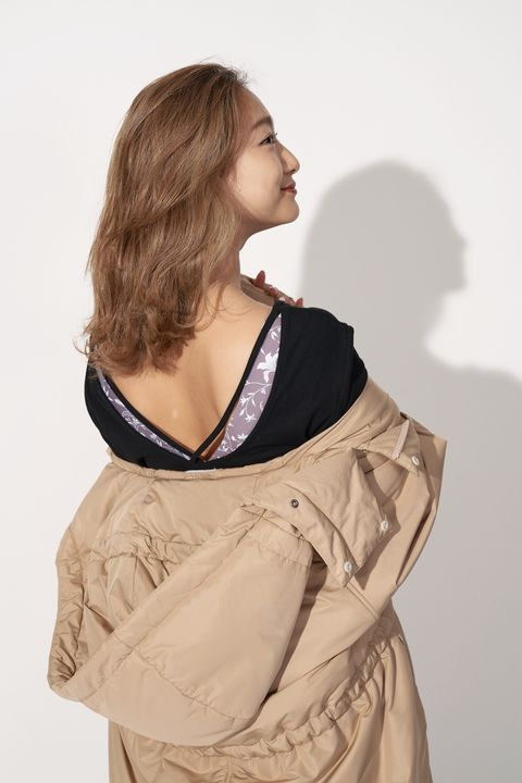 Shoulder, Clothing, Neck, Beige, Khaki, Joint, Dress, Outerwear, Sleeve, Fashion design,