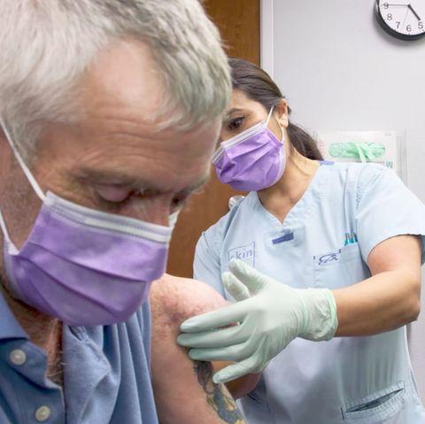 Dr Pimple Popper S Chip On Shoulder Episode Clip Is Insane