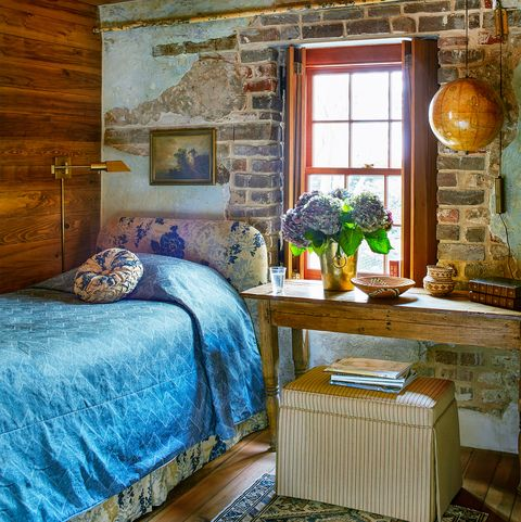 room with stone and lime wah