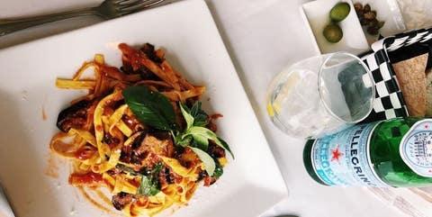 Food, Dish, Cuisine, Pad thai, Ingredient, Drunken noodles, Pancit, Fried noodles, Rice noodles, Meal,