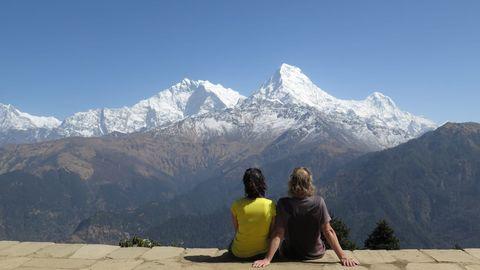 Mountainous landforms, Mountain, Mountain range, Alps, Hill station, Sky, Tourism, Ridge, Wilderness, Leisure,