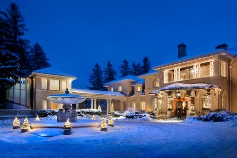 Winter, Snow, Home, Property, Building, Town, Lighting, House, Estate, Real estate,