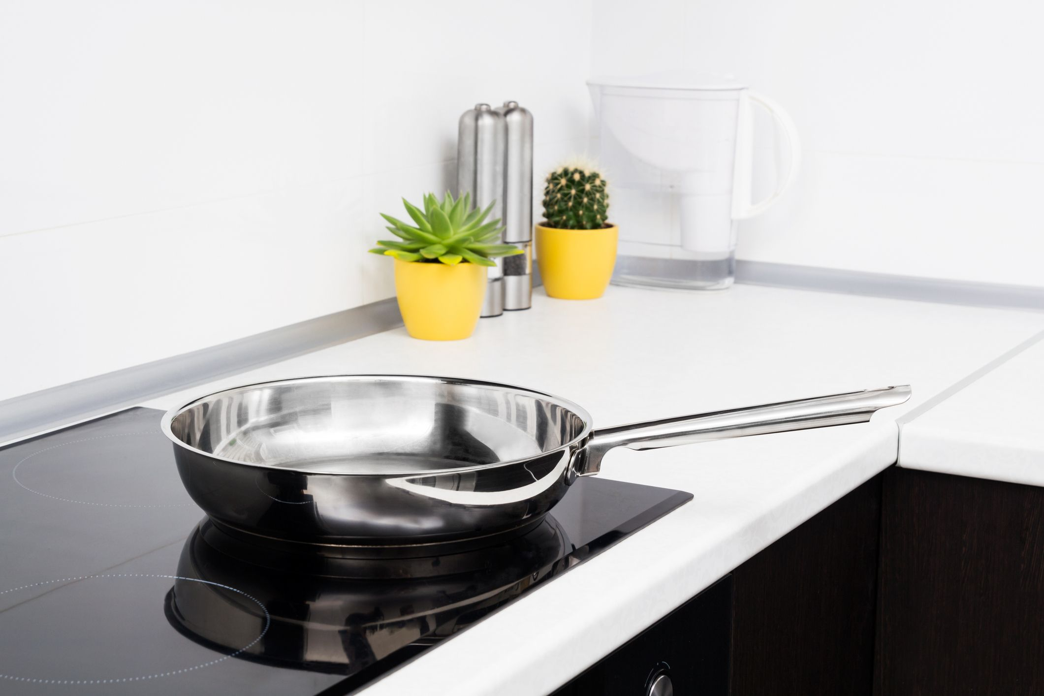 Whirlpool, KitchenAid, and JennAir Glass Cooktops Are Being Recalled After Turning on By Themselves