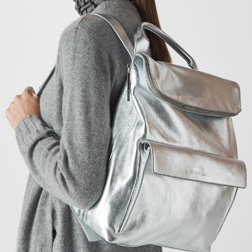 Travel backpacks for women