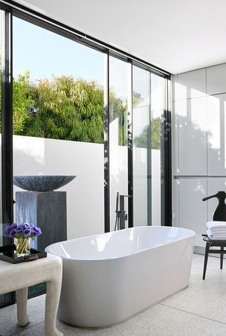 30 Stunning White Bathrooms How To Use White Tile And Fixtures In