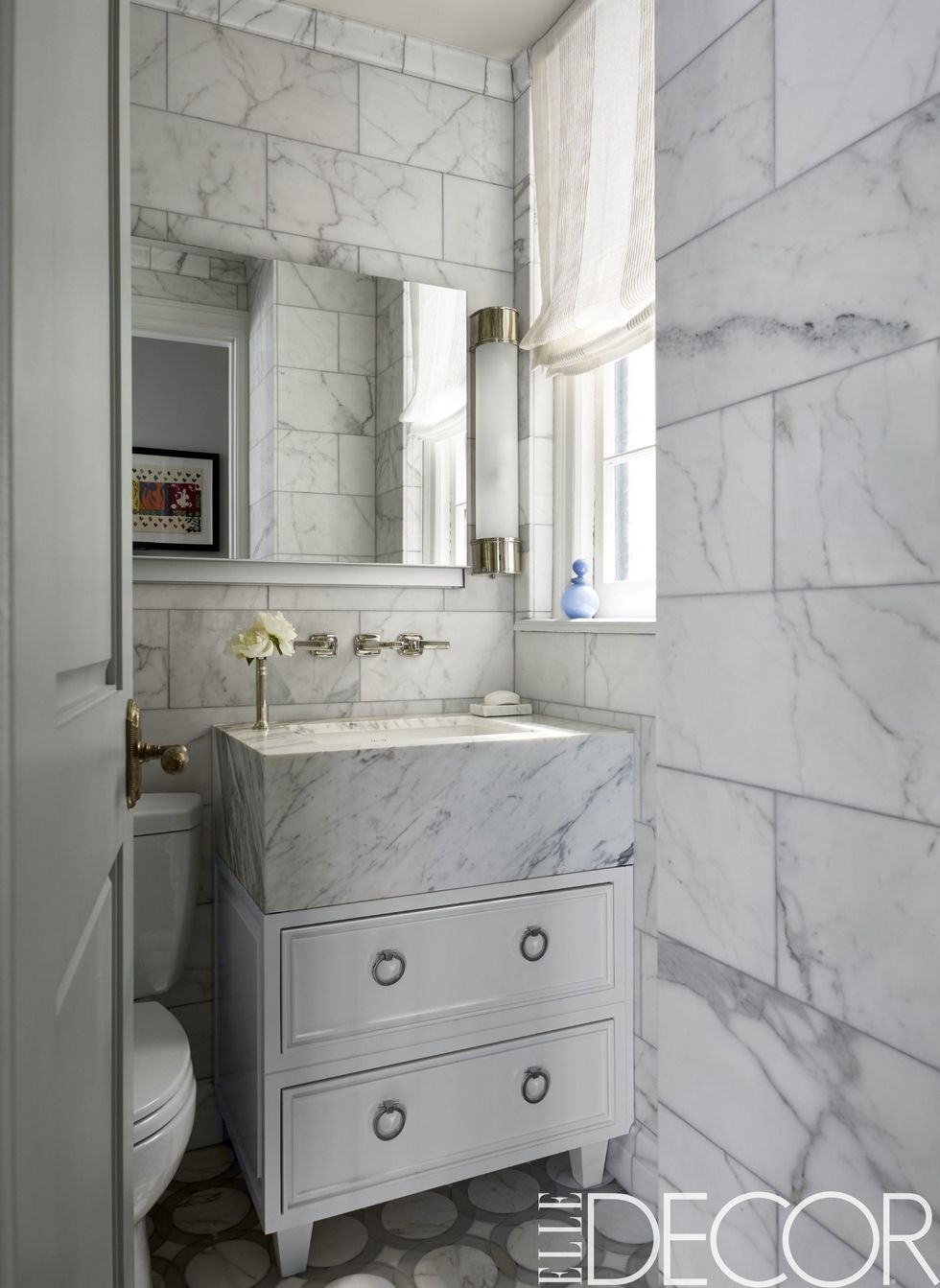 Merveilleux 30+ Stunning White Bathrooms   How To Use White Tile And Fixtures In  Bathrooms