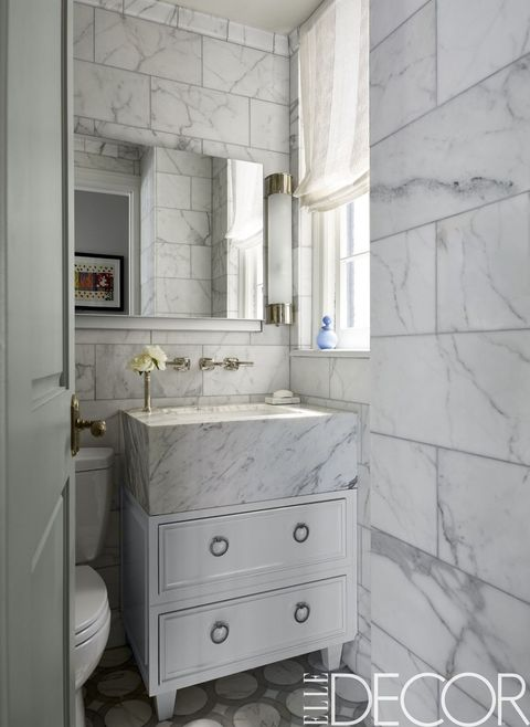 25 White Bathroom Design Ideas
