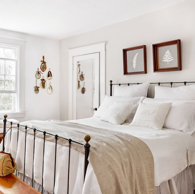 How To Decorate A White Bedroom