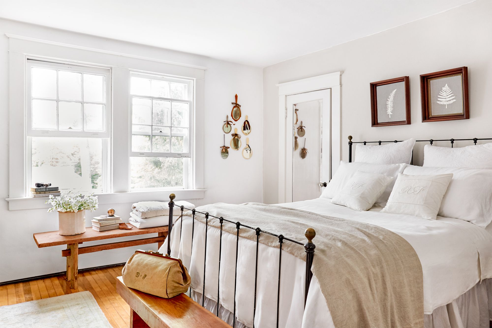 40+ White Bedrooms for a Totally Serene Sleeping Space