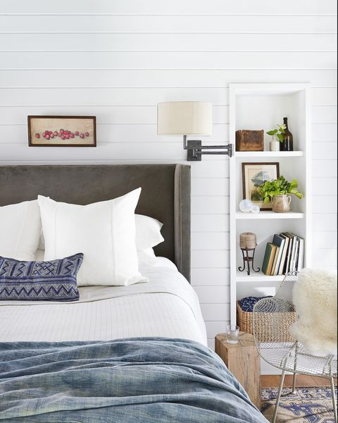 white bedroom-dark upholstered headboard