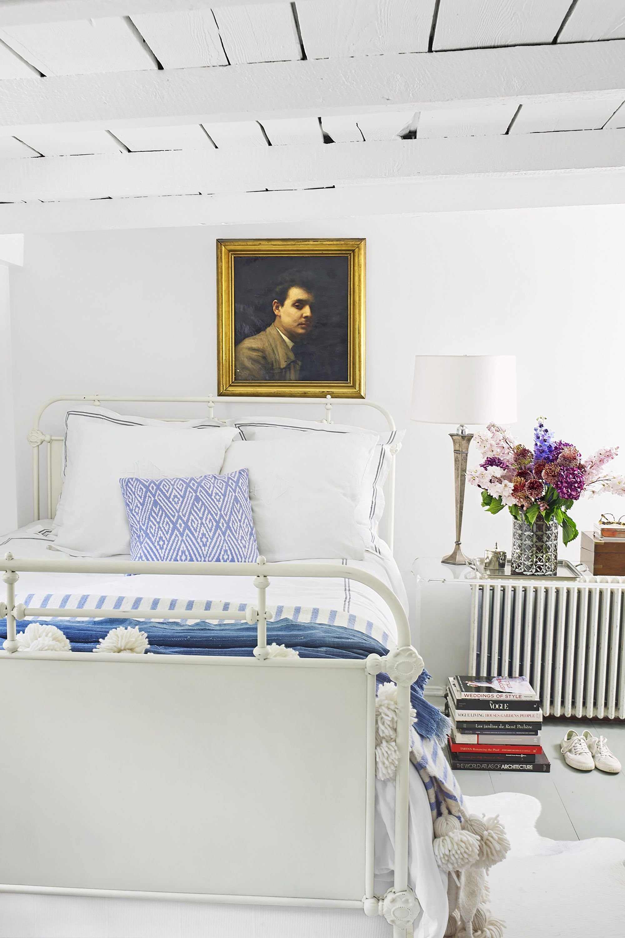 white bedrooms airy