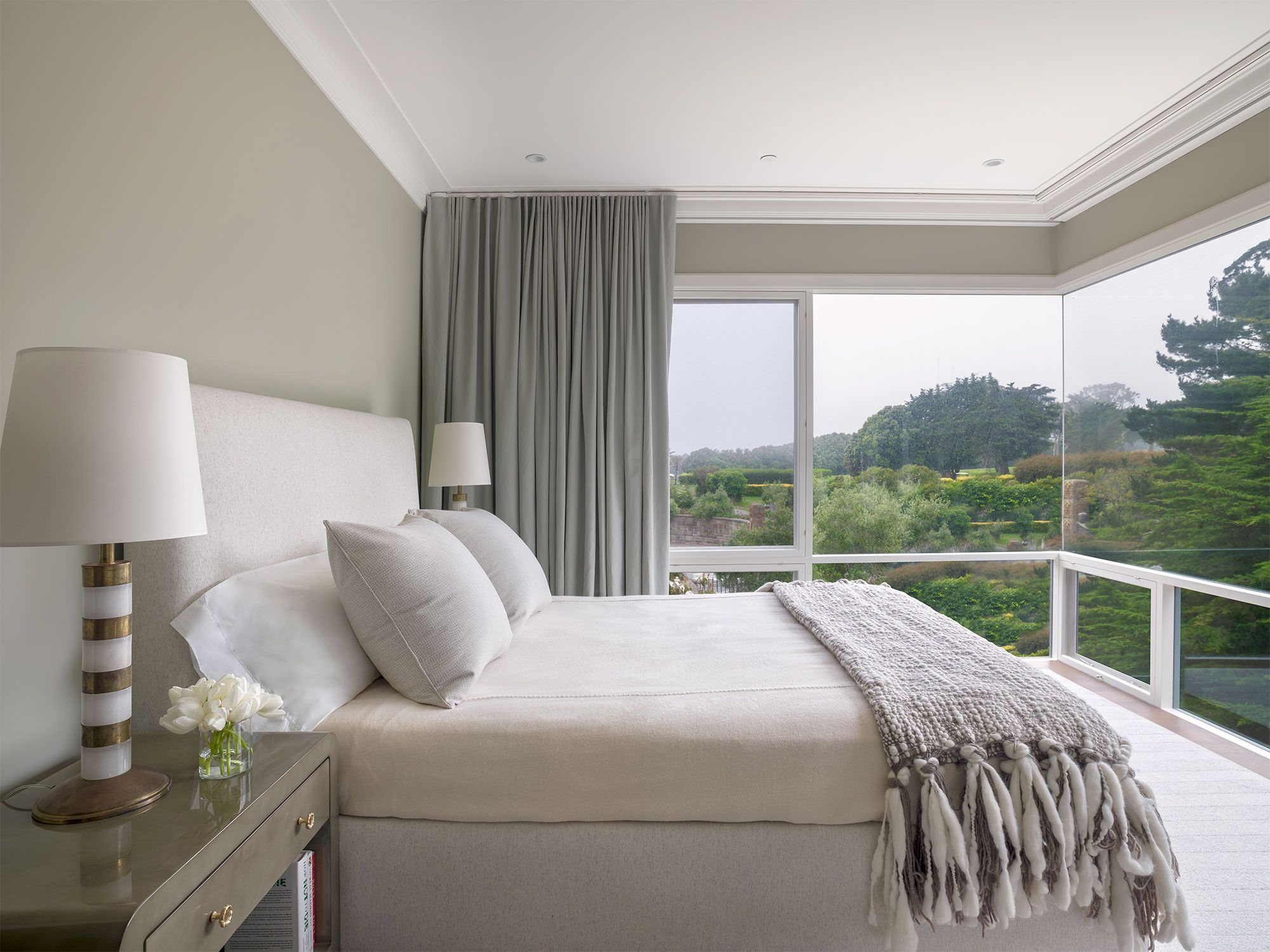 23 Beautiful White Bedrooms - Ideas for White Bedroom Design