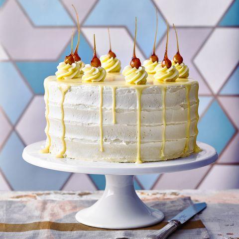 white chocolate and hazelnut cake