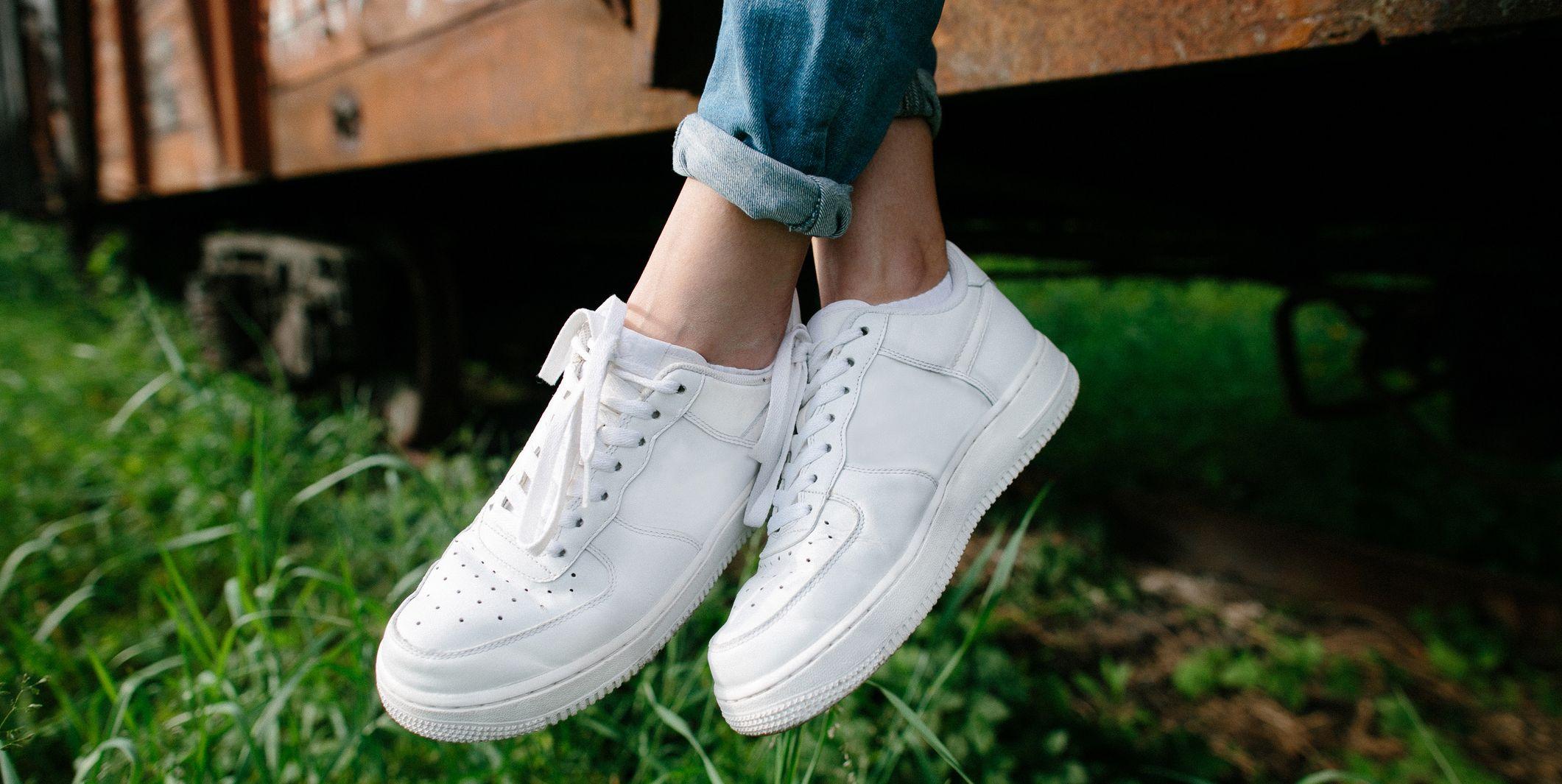Witte-schoenen