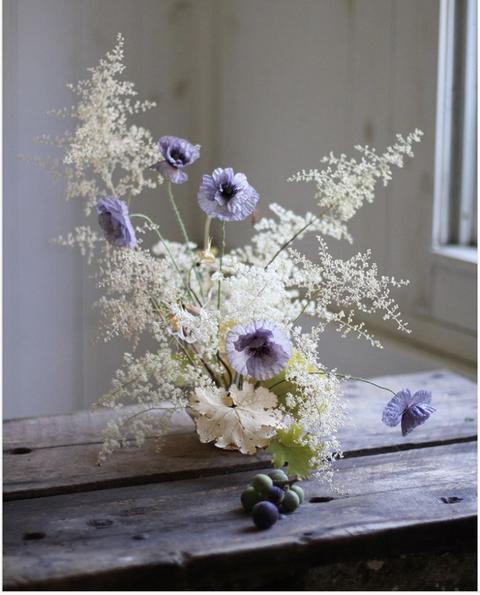 Beautiful White Flower Arrangements White Centerpiece Ideas