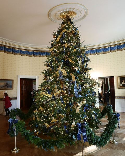 getty images blue room christmas tree - Christmas Tree With Lights And Decorations
