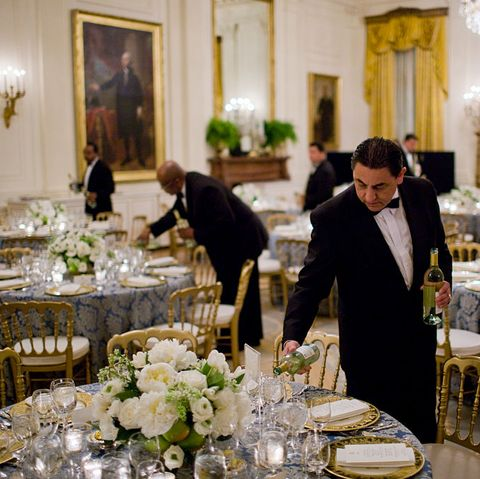 usa   politics   white house butlers prepare for congressional dinner at the white house