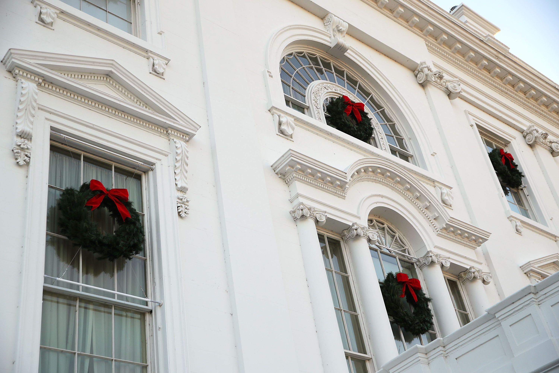 The White House Reveals Its Christmas Decorations - Melania Trump ...